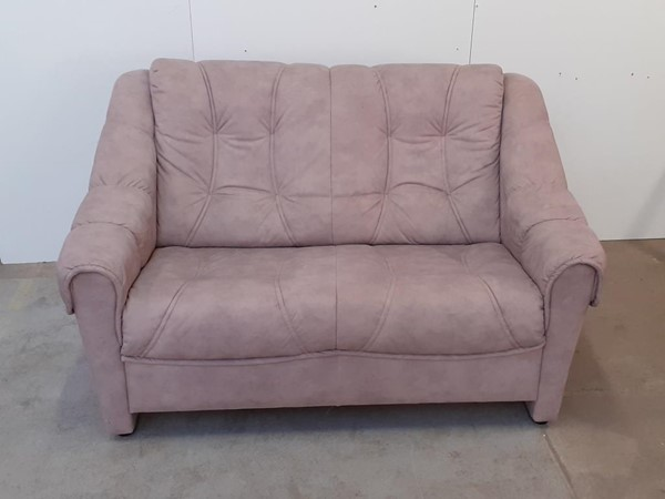 Picture of 2 prs sofa
