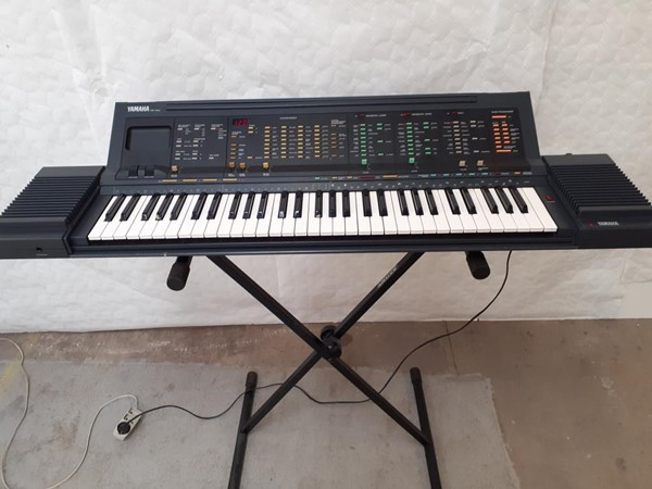 Picture of Keyboard PSR 6300 Yamaha